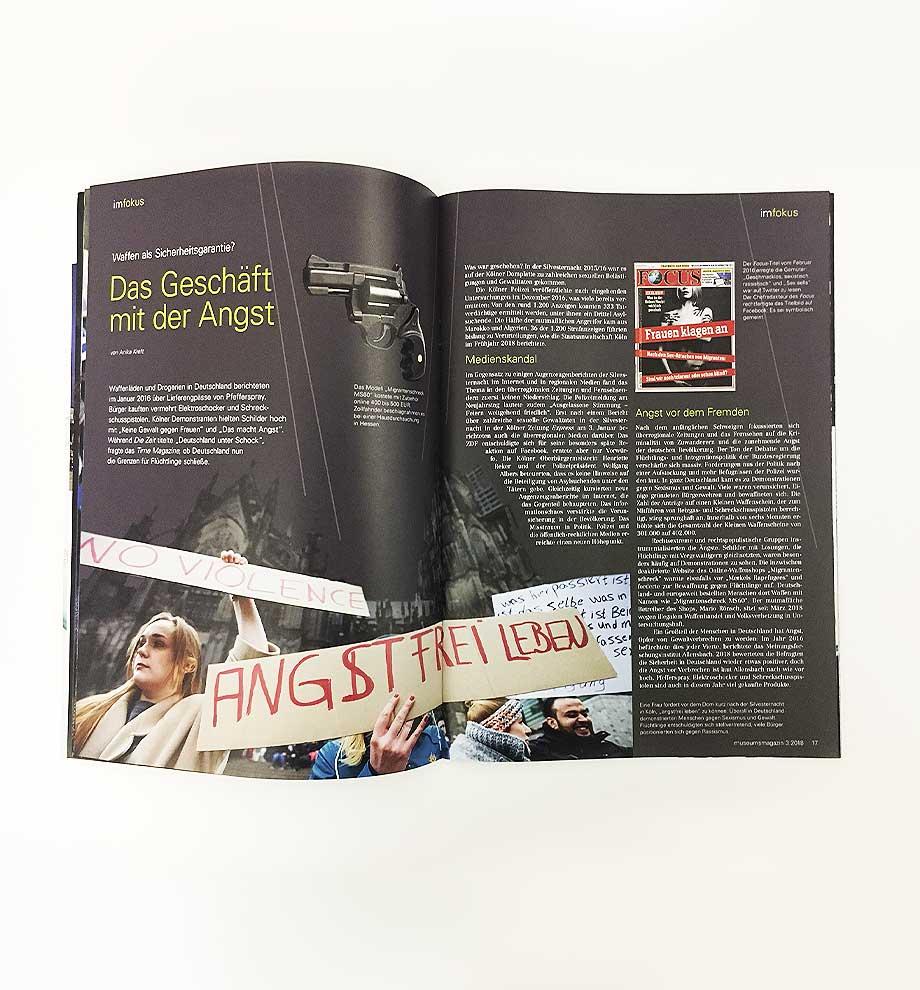 """Aufgeklappte Seite des von Schleiner + Partner gestalteten Museumsmagazins """"Angst. Eine deutsche Gefühlslage?"""""""