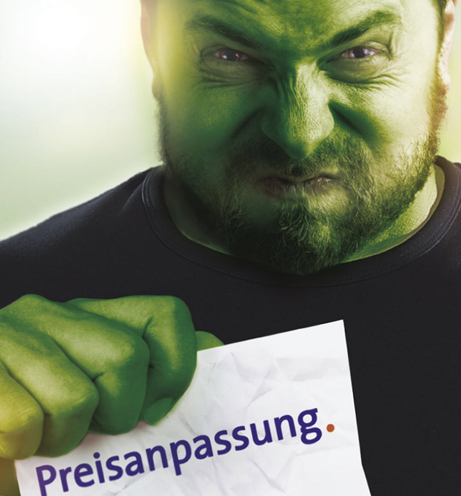 Beispiel aus dem Leistungsbereich Corporate Communication: Werbung: Mann wird zum Hulk weil er sich über Preisanpassungen seines Stromanbieters ärgert.