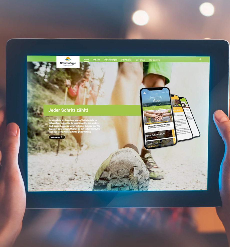 Screenshot des Webauftritts www.smartcity-app.de auf einem iPad.