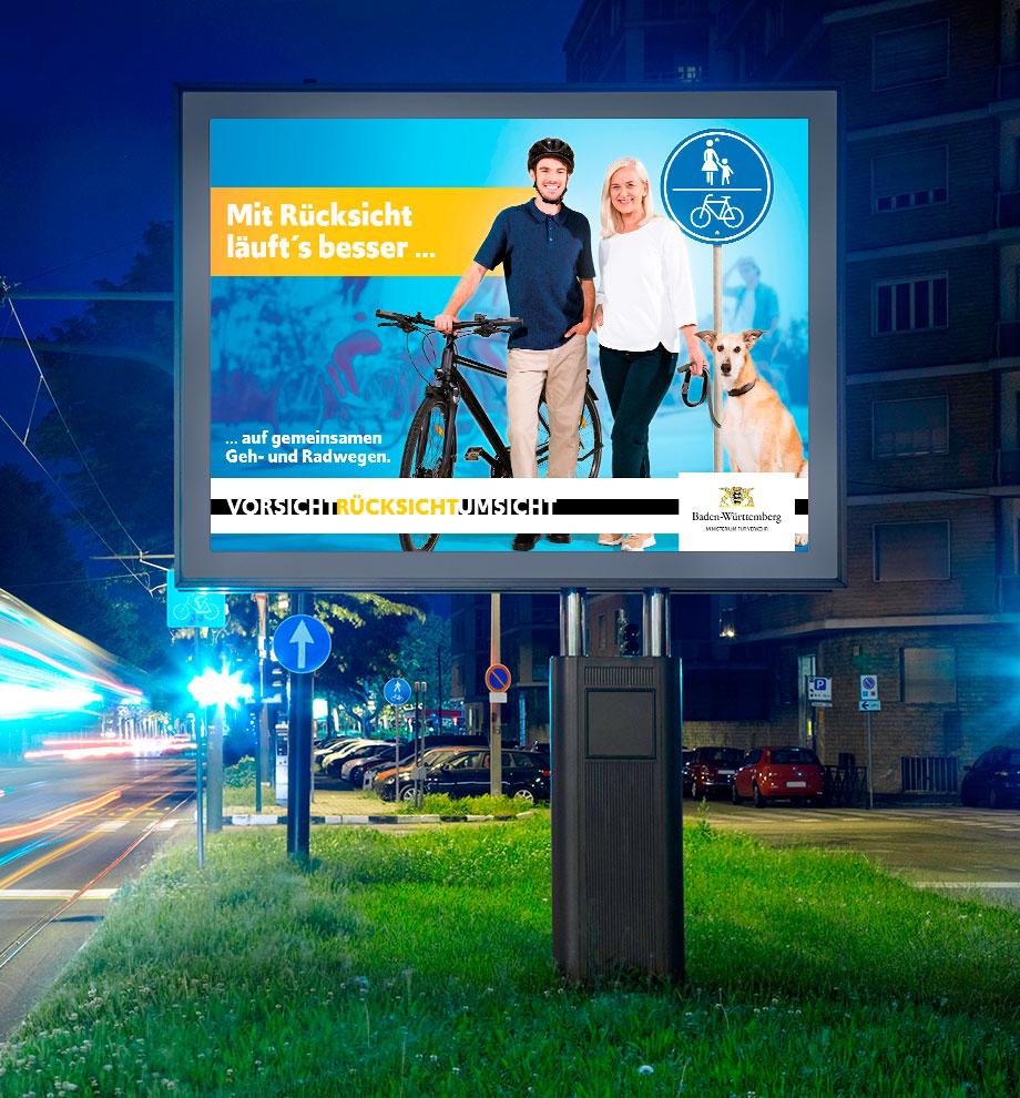 Außemwerbung der neuen Werbekampagne für das Verkehrsministerium Baden-Württemberg: Mit Rücksicht läuf'ts besser ... auf gemeinsamen Geh- und Radwegen. Vorsicht. Rücksicht. Umsicht